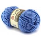Włóczka Merino Bulky kolor 3042 niebieski